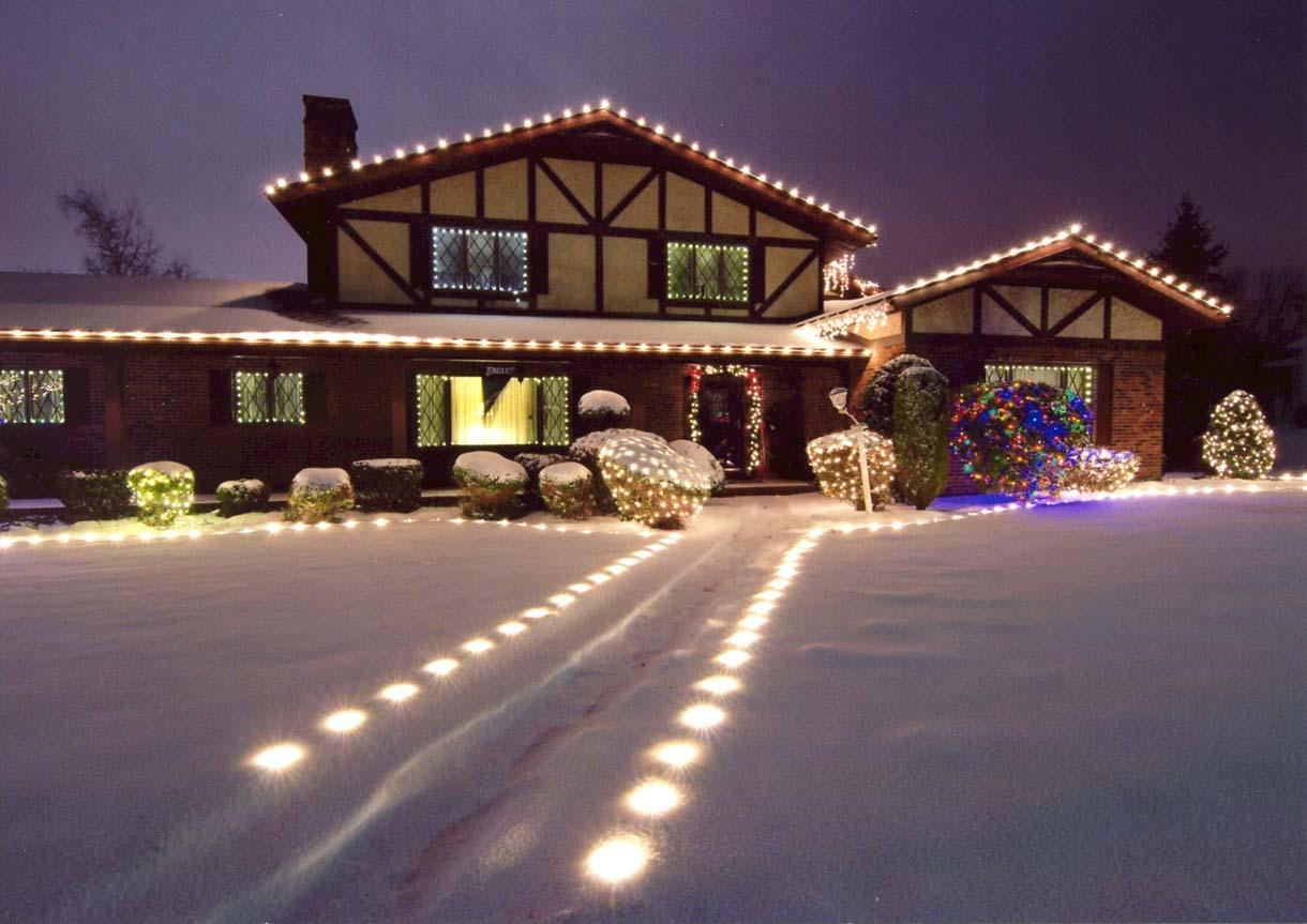 Attirant Christmas Decorating Services