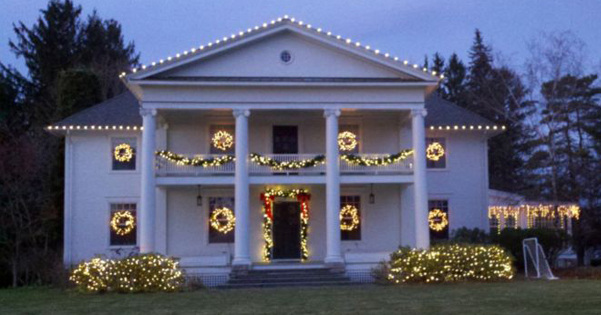 Residential Christmas Lighting – 2011