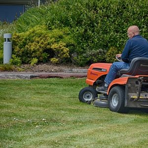 How to Winterize a Riding Lawn Mower